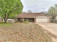 35 Timber Creek Dr, Shawnee, OK 74804