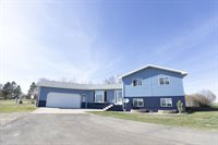 13927 Town and Country South Ct, Williston, ND 58801