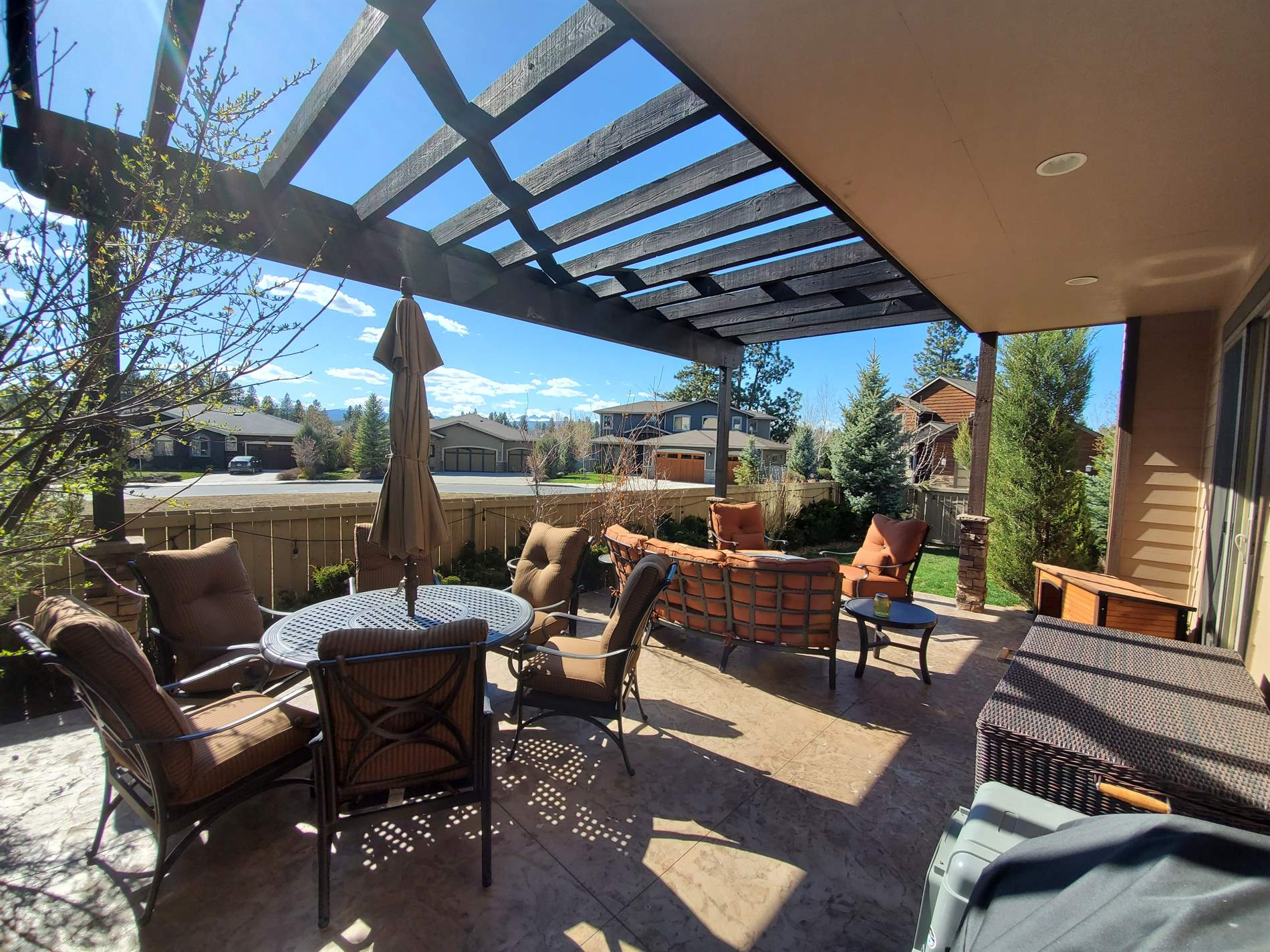 60974 Woods Valley Place, Bend, OR 97702