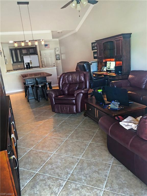 1076 Winding Pines CIR 202, Cape Coral, FL 33909