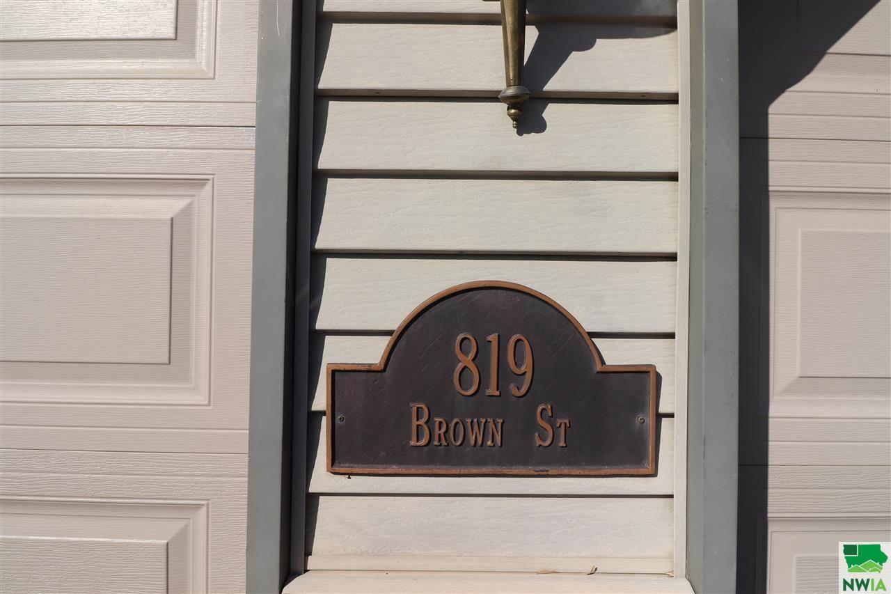 819 Brown St., Sloan, IA 51055
