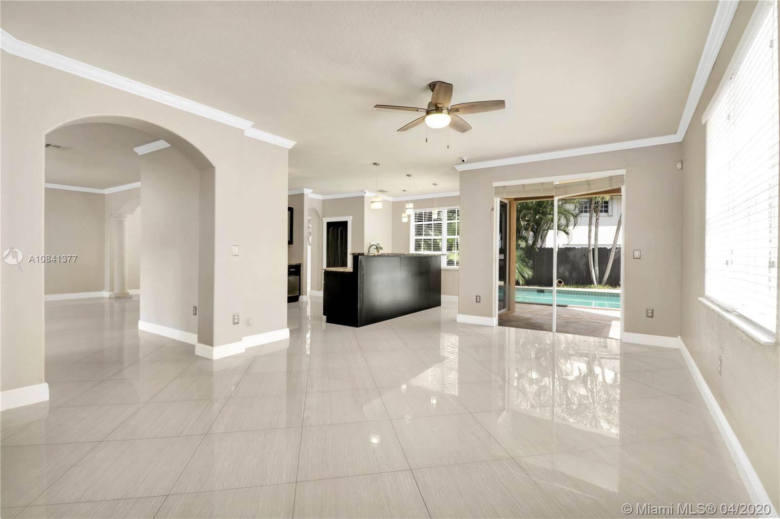 15411 SW 36th Ter, Miami, FL 33185