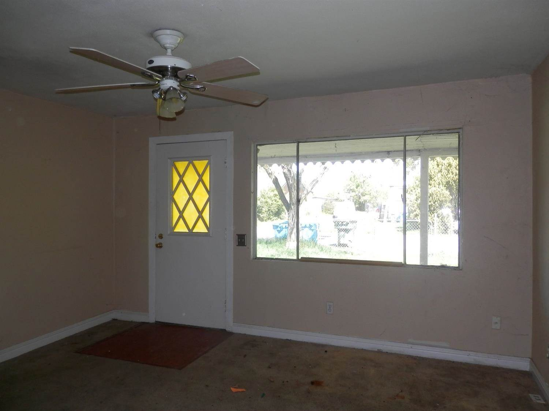1852 6th Avenue, Olivehurst, CA 95961