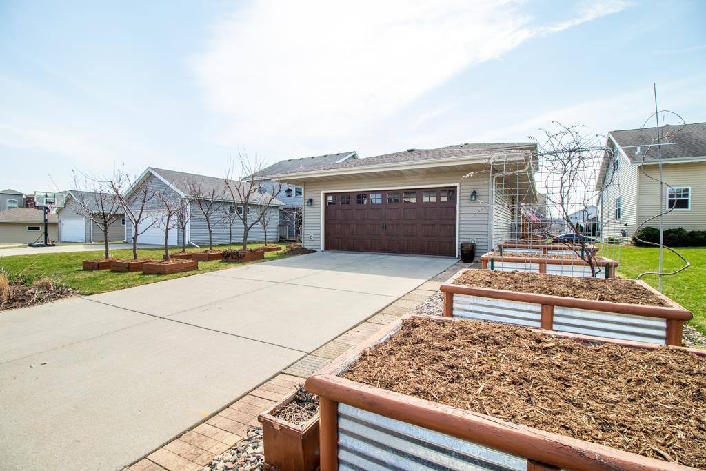 5216 Teaberry Ln, Fitchburg, WI 53711