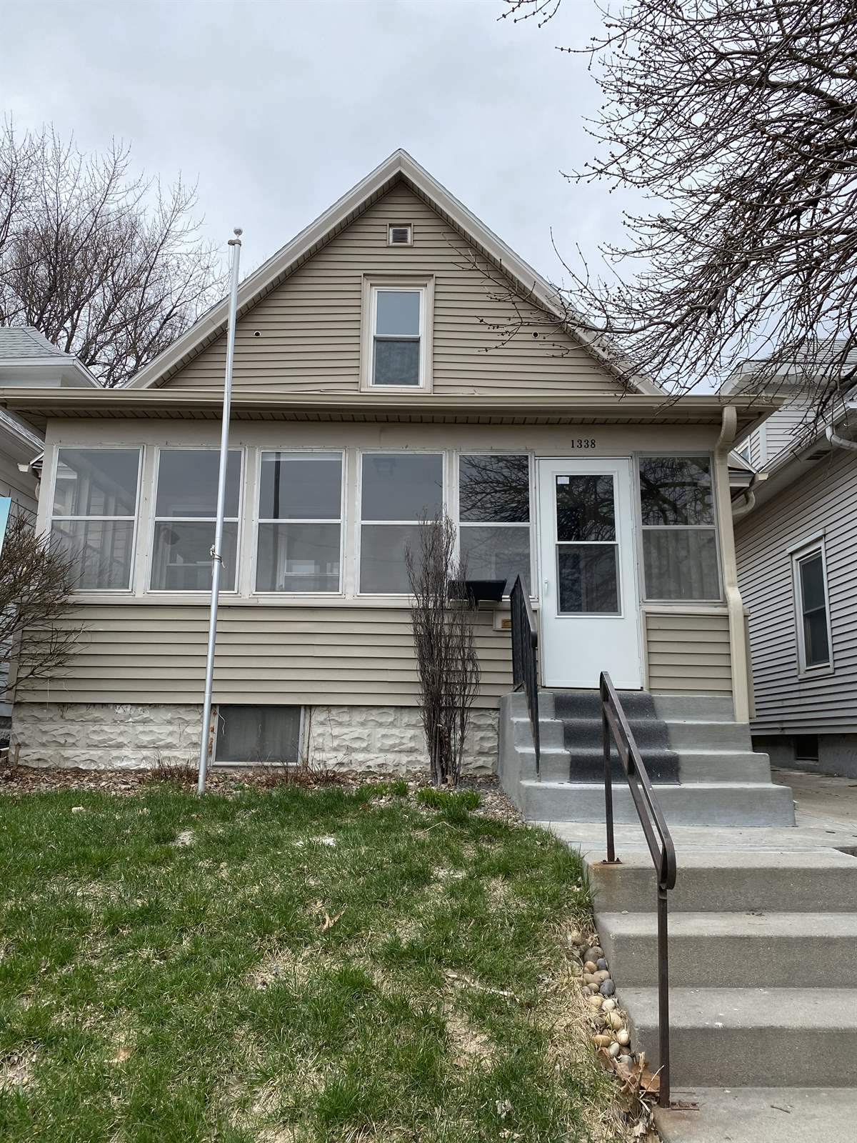 1338 South 21 Street, Omaha, NE 68108