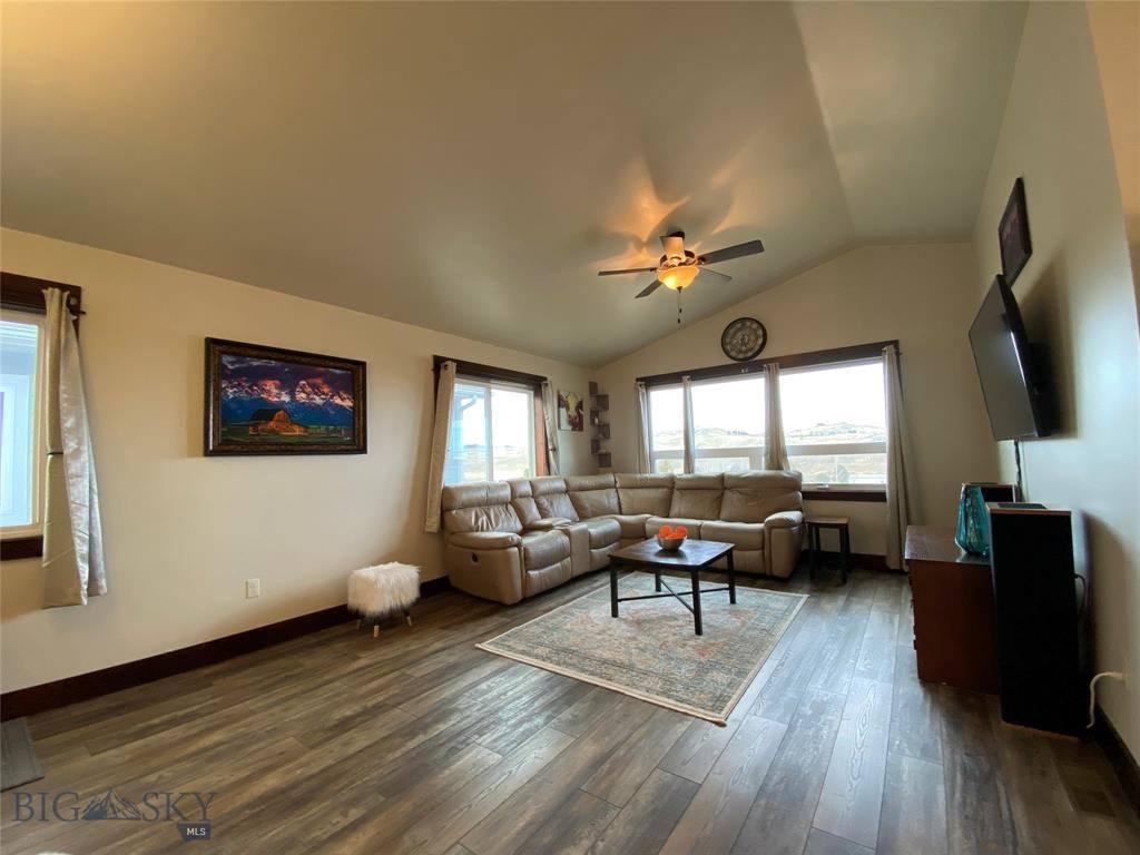 725 North 10th Street, Livingston, MT 59047