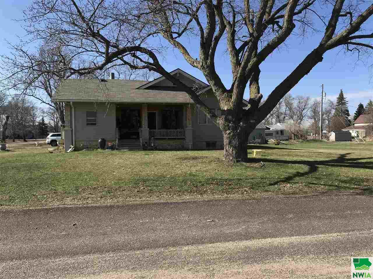 312 5th St., Wakonda, SD 57073
