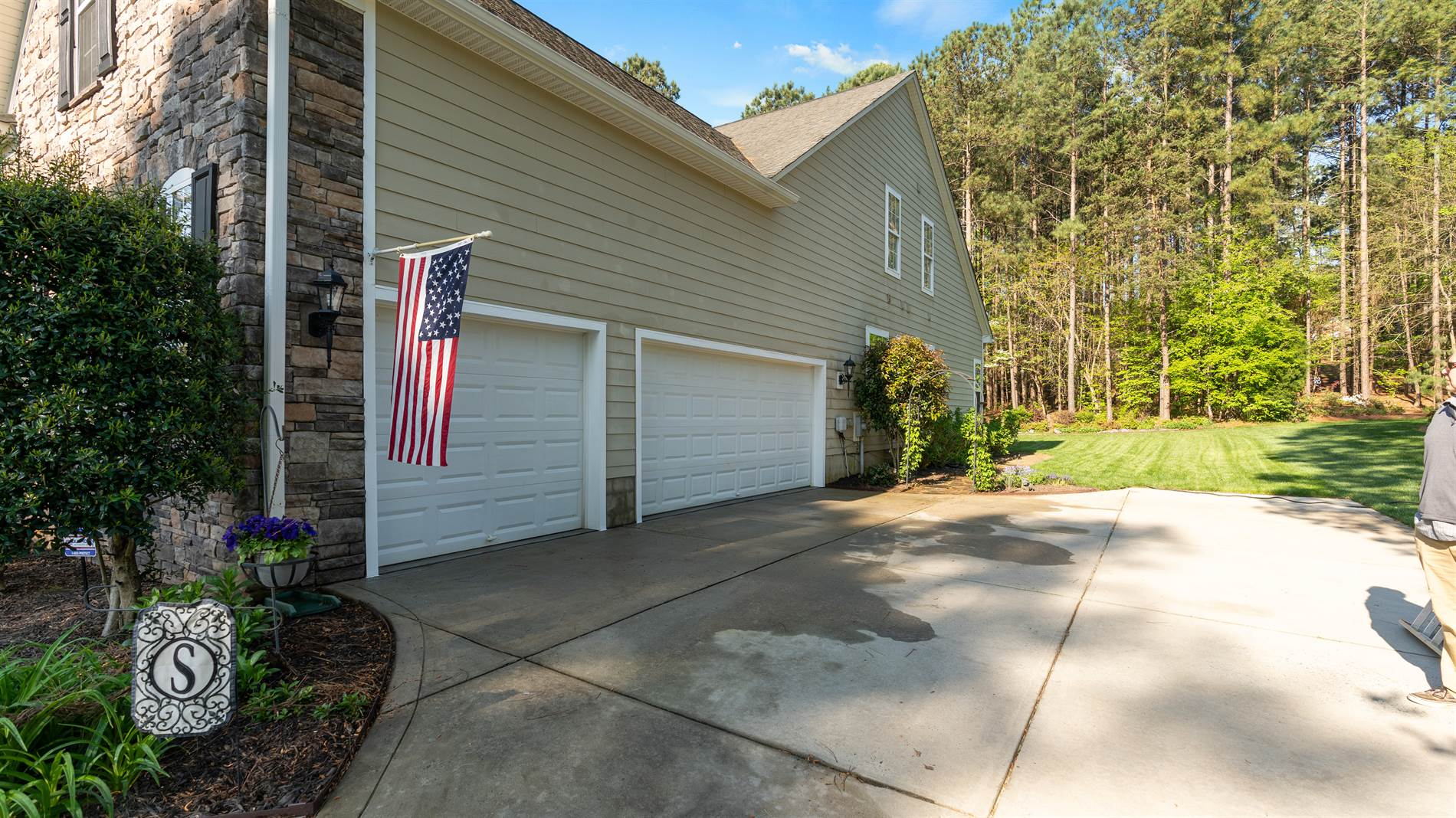 108 Kestrel Ct, Mount Holly, NC 28120