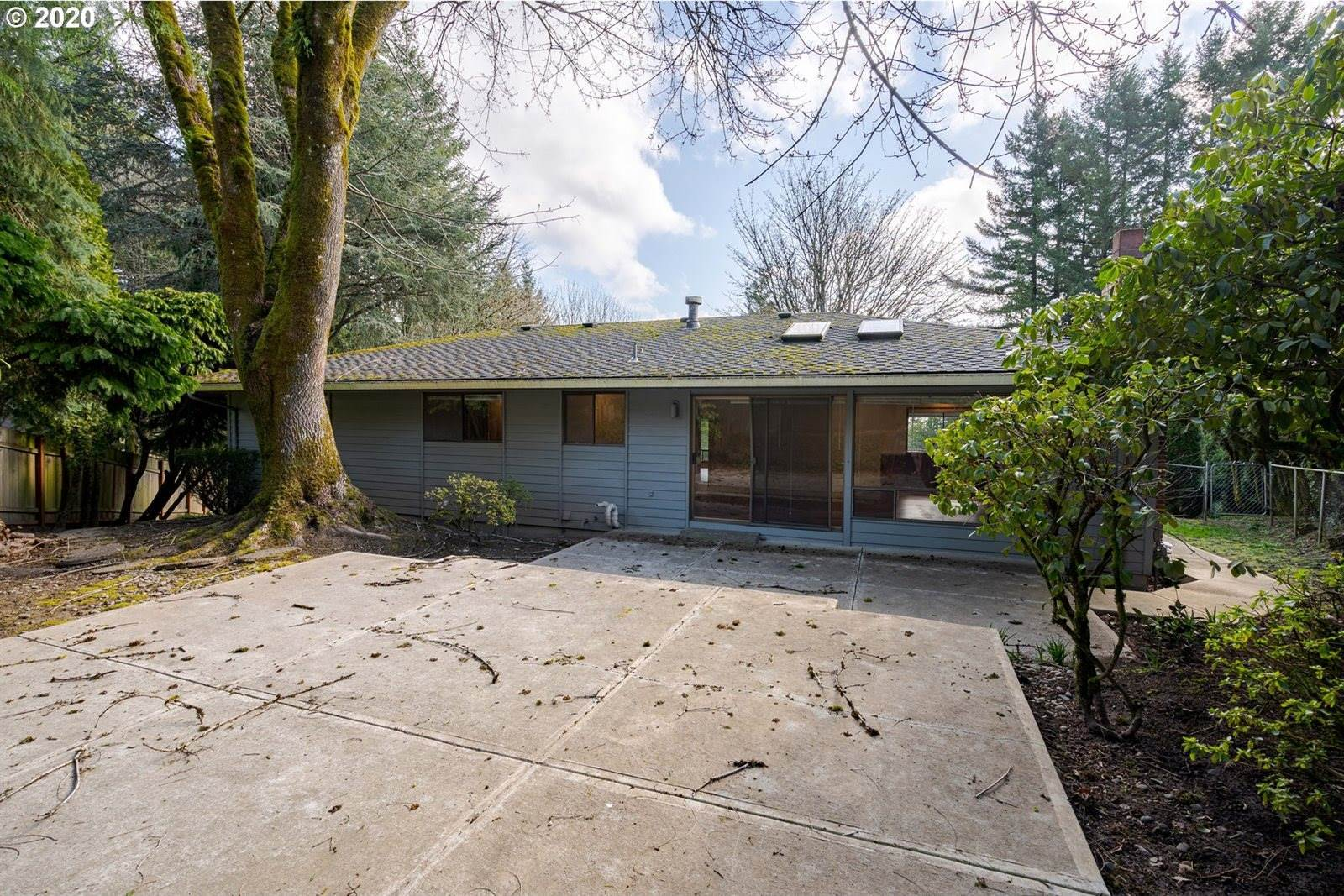 19 Monticello Dr, Lake Oswego, OR 97035