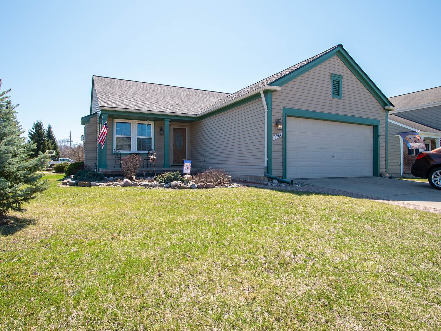 5267 Tamiami Trail, Waterford, MI 48329