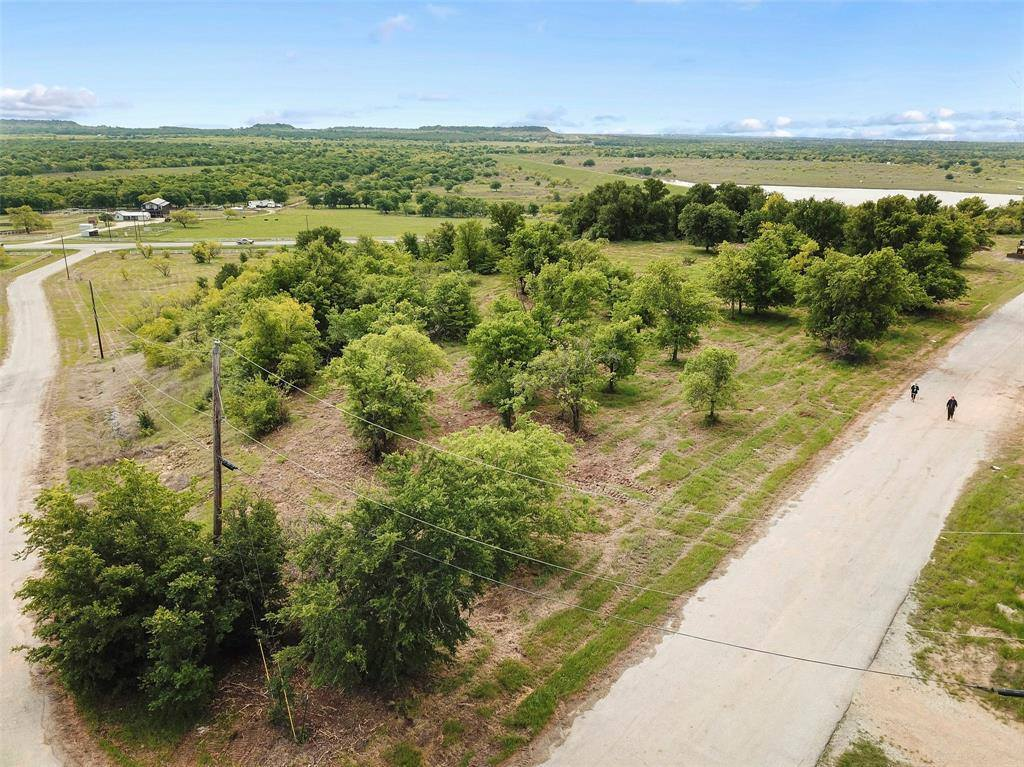 17 Lake House Drive, Bridgeport, TX 76426