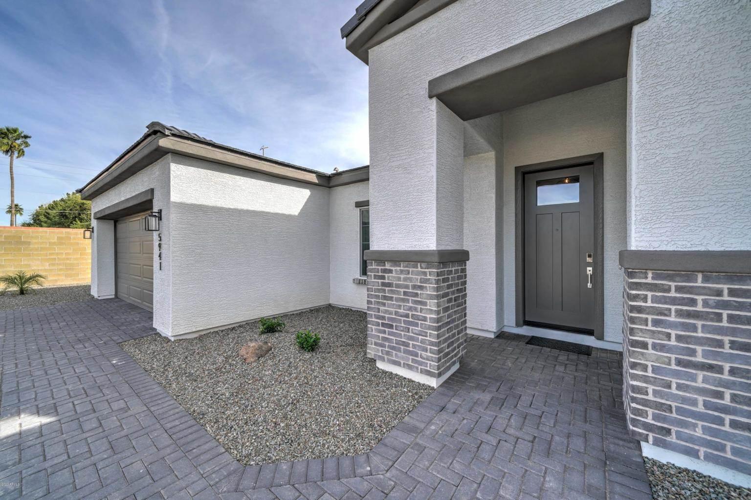 5941 E. Kenwood, Mesa, AZ 85215