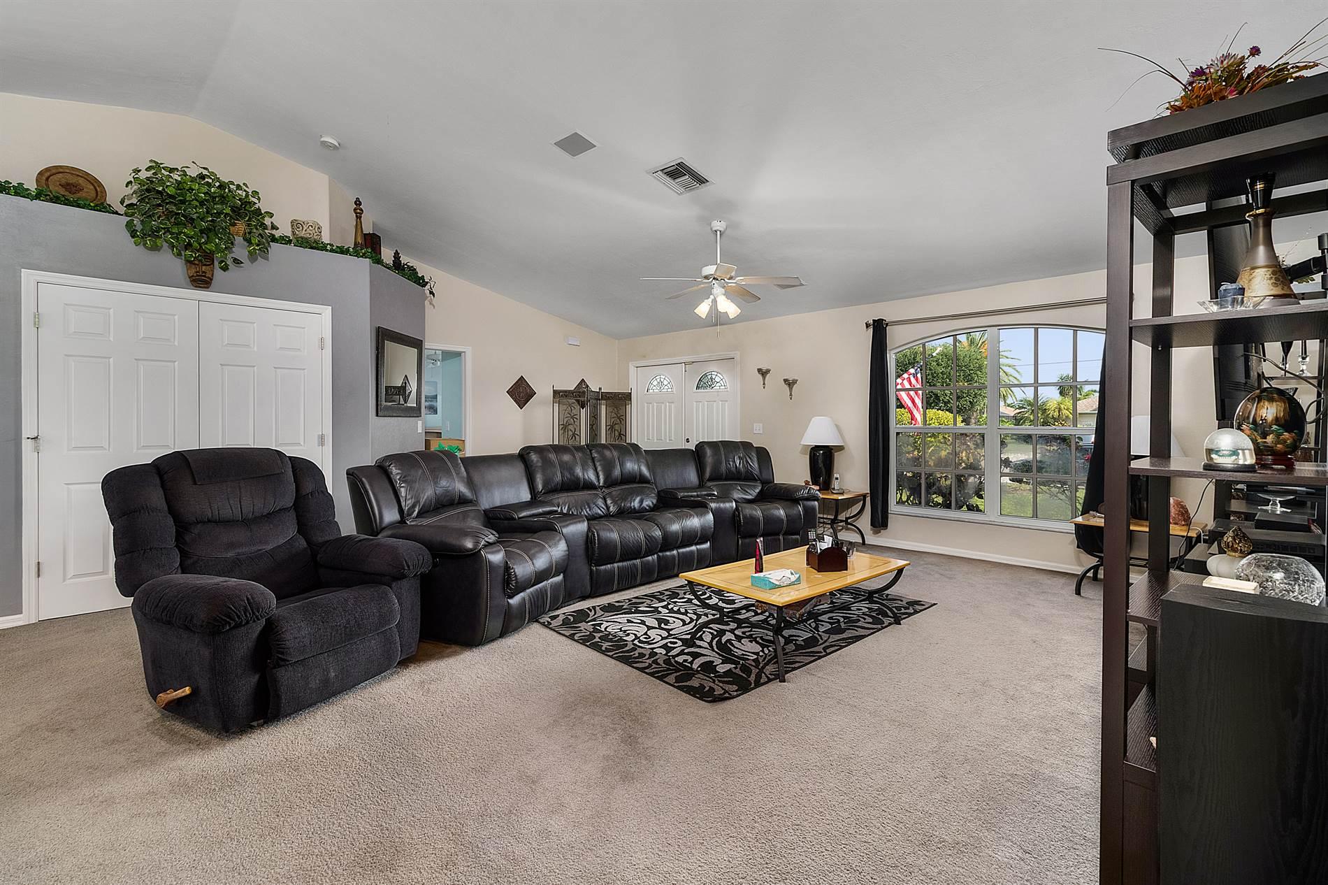 1108 SW 44th Terrace, Cape Coral, FL 33914