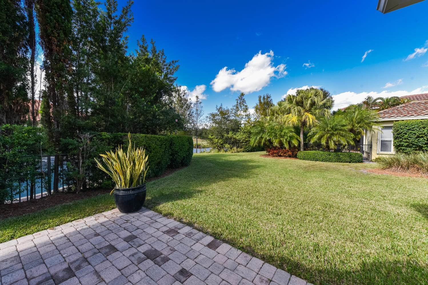 832 SW Pebble Lane, Palm City, FL 34990