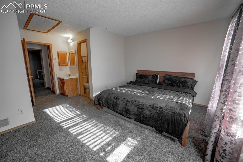 3370 Queen Anne Way, Colorado Springs, CO 80917
