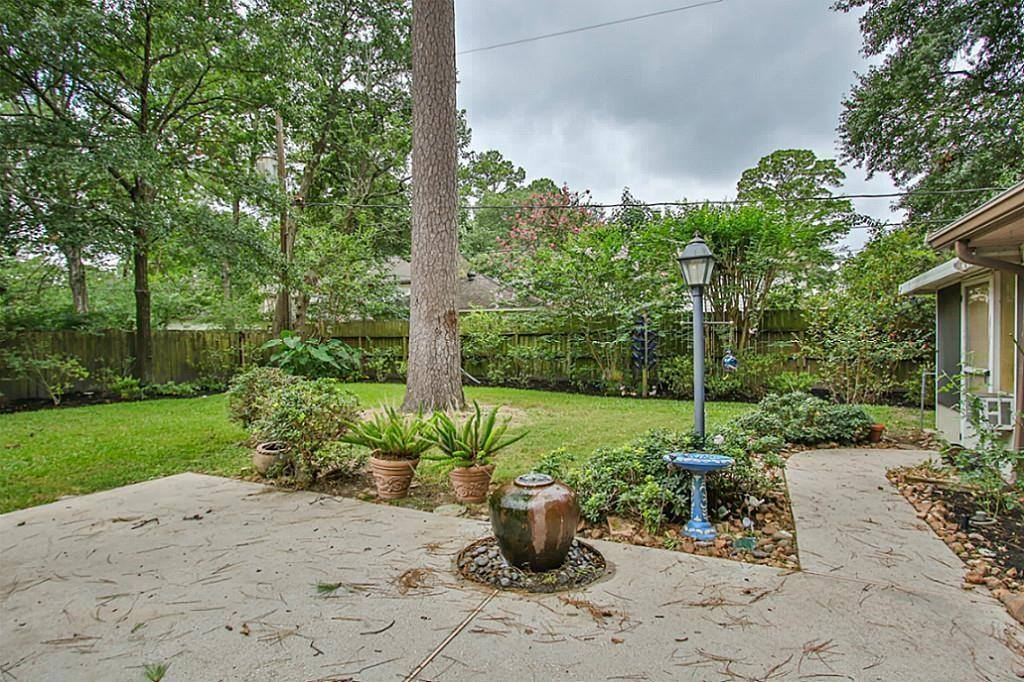 6610 Blue Hills Rd Road, Houston, TX 77069