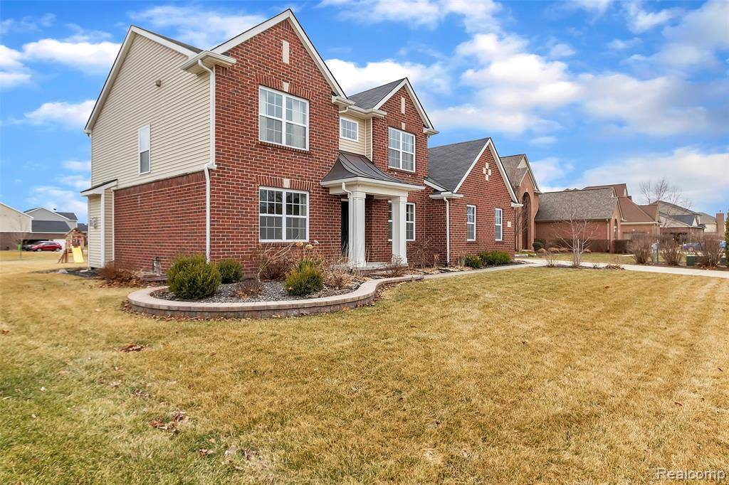 61171 Saddlecreek Drive, Lyon Township, MI 48178