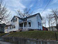331 W Prospect St, Lake Mills, WI 53551