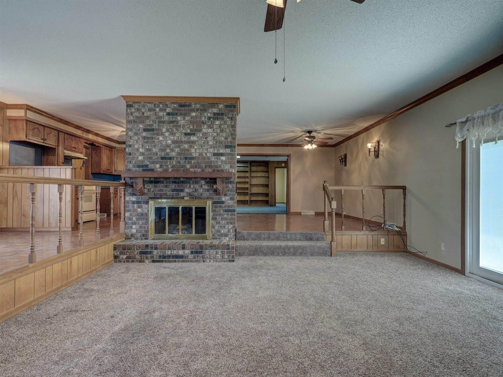 100 West Mercer Street, Jasper, MO 64755