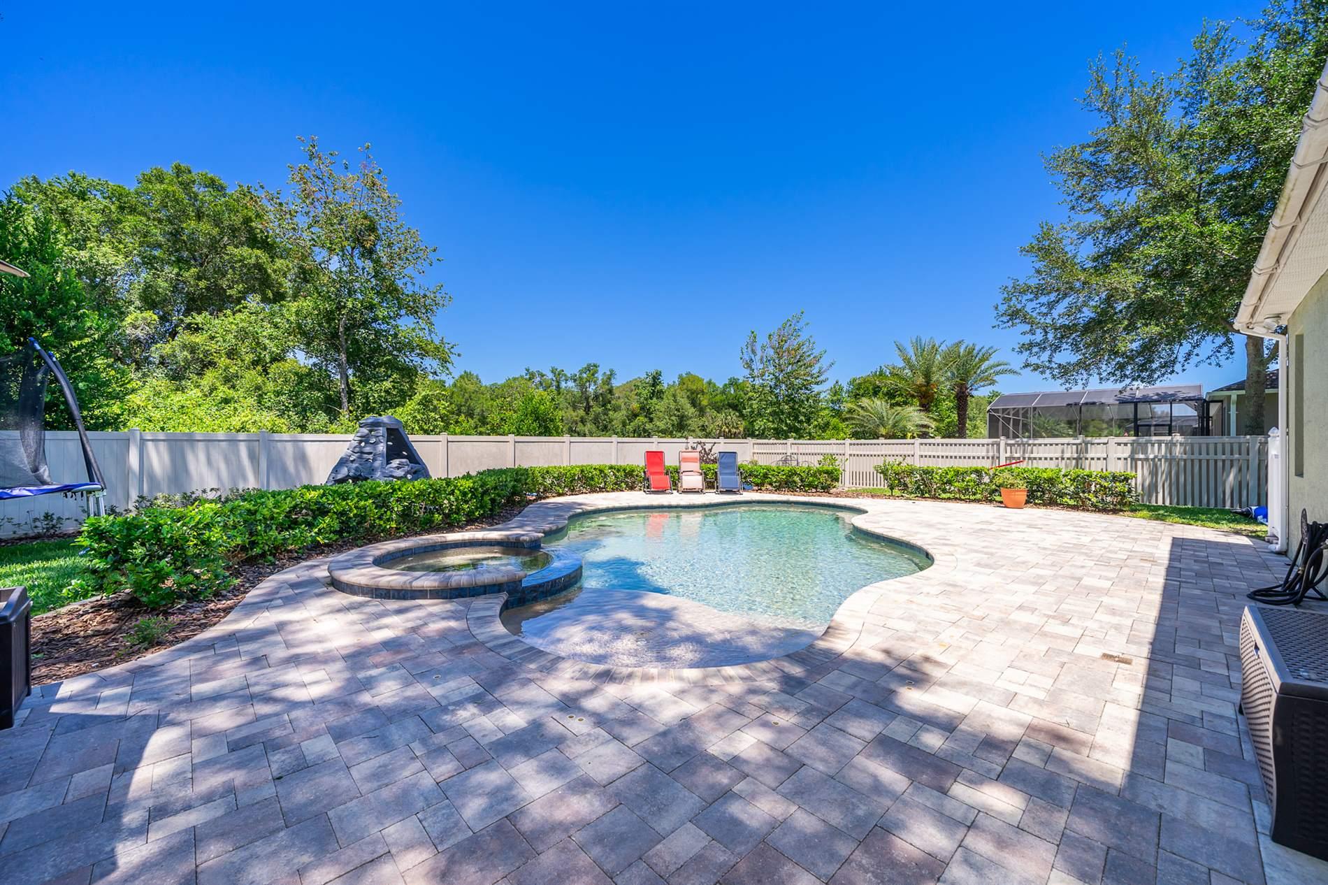 2561 Woodside Ridge Drive, Apopka, FL 32712