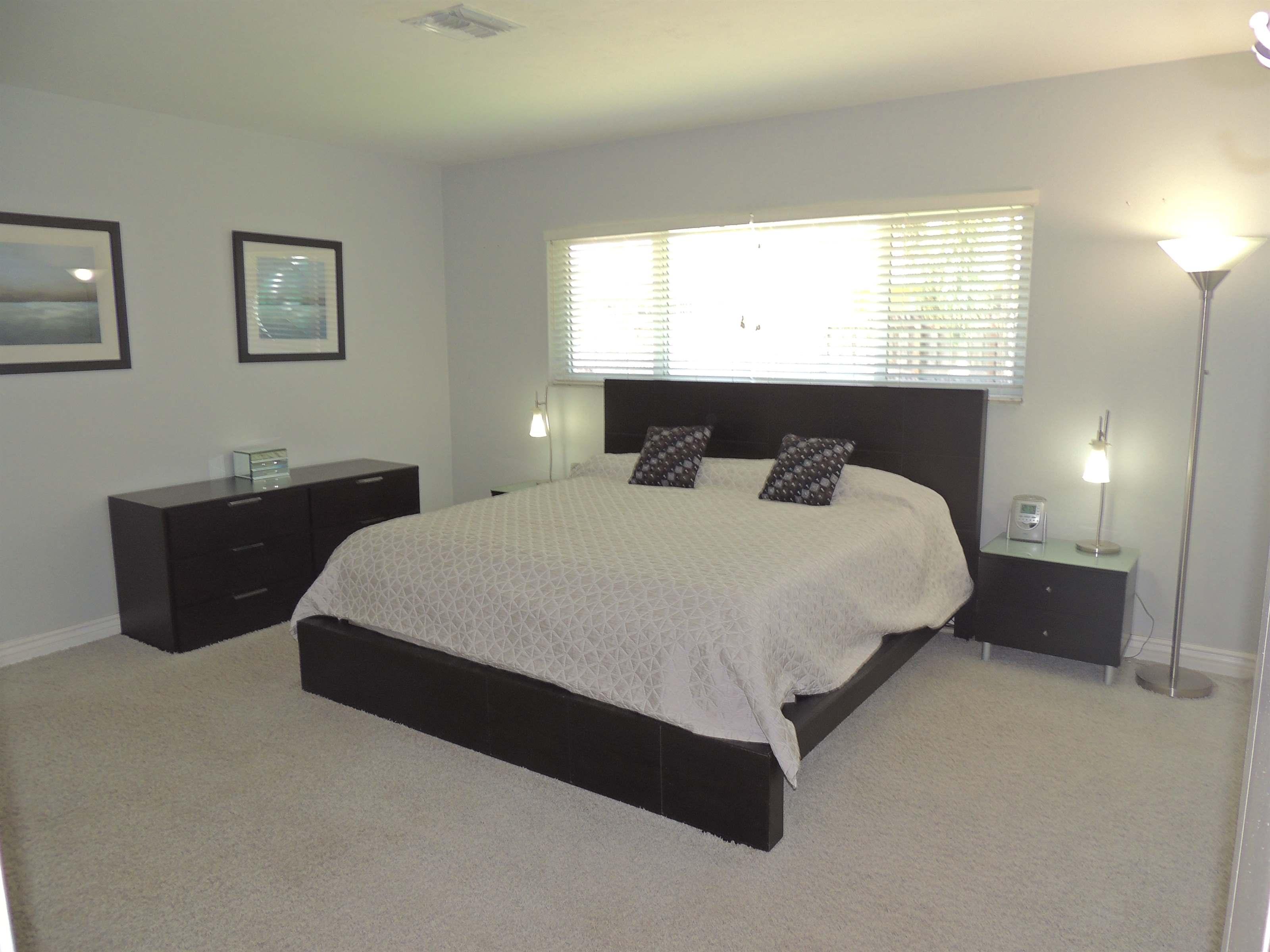 2709 NE 33rd St, Fort Lauderdale, FL 33306