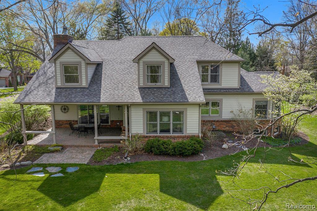 5532 Evergreen Avenue, Orchard Lake Village, MI 48324