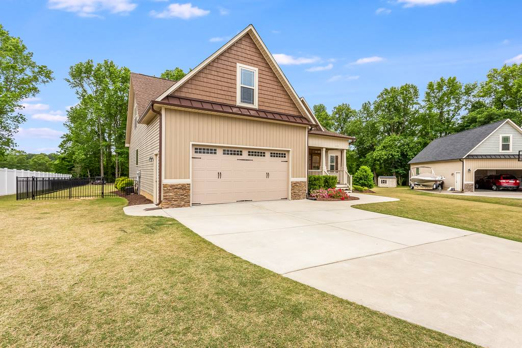 111 Chesney Court, Clayton, NC 27527