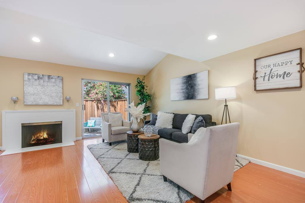10817 Northridge SQ, Cupertino, CA 95014