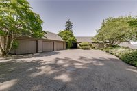 18099 Green Bluff Dr, Lake Oswego, OR 97034