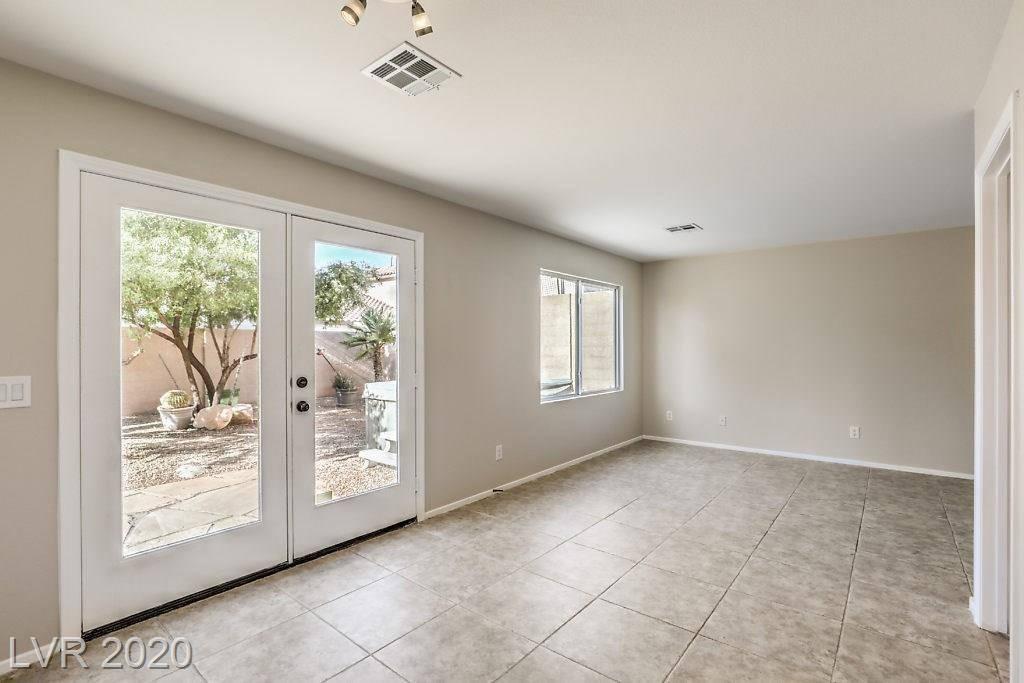 9303 Avon Park Avenue, Las Vegas, NV 89149