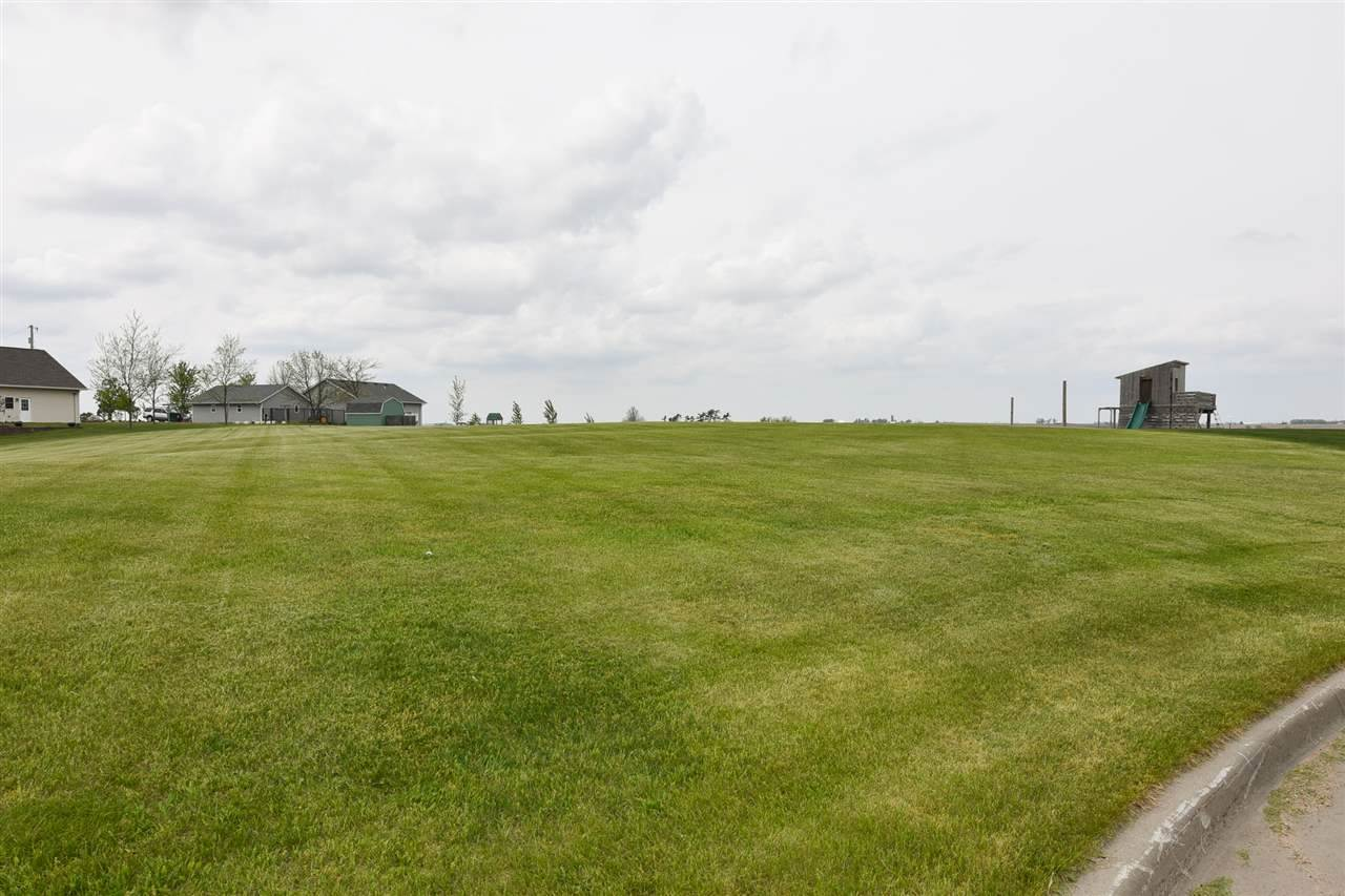 602 Dane Ct, Williamsburg, IA 52361