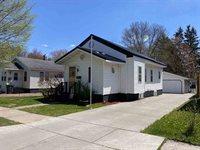 805 S Peach Avenue, Marshfield, WI 54449