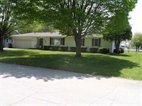 105 Peterson Drive, Sweetser, IN 46987