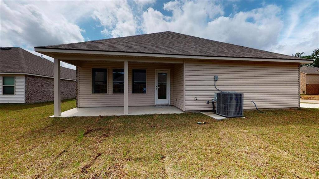 16707 Highland Heights Drive, Covington, LA 70435