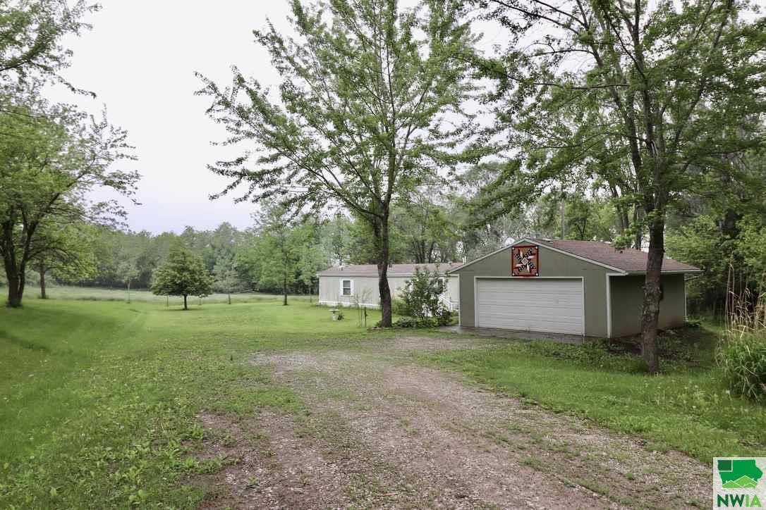 1924 S Bluff Rd, Hubbard, NE 68741