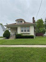 1633 Chicago, Freeport, IL 61032