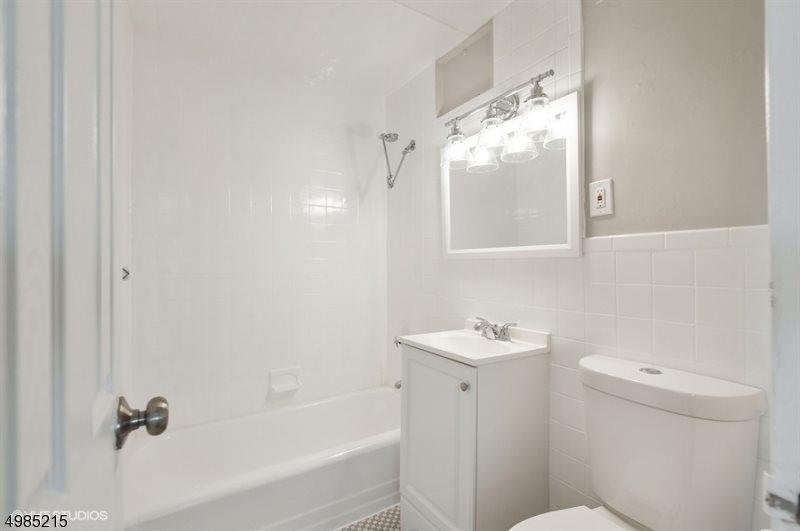 377 S Harrison St, #11L, East Orange, NJ 07018