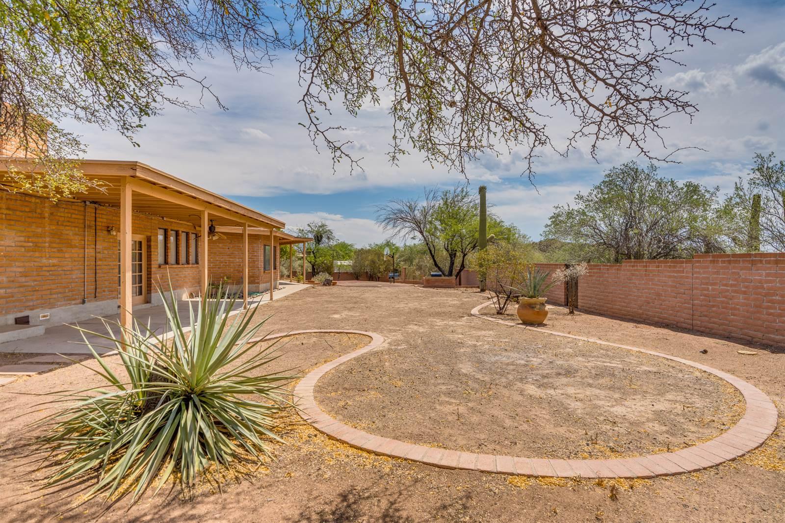1976 N Calle Del Suerte, Tucson, AZ 85745
