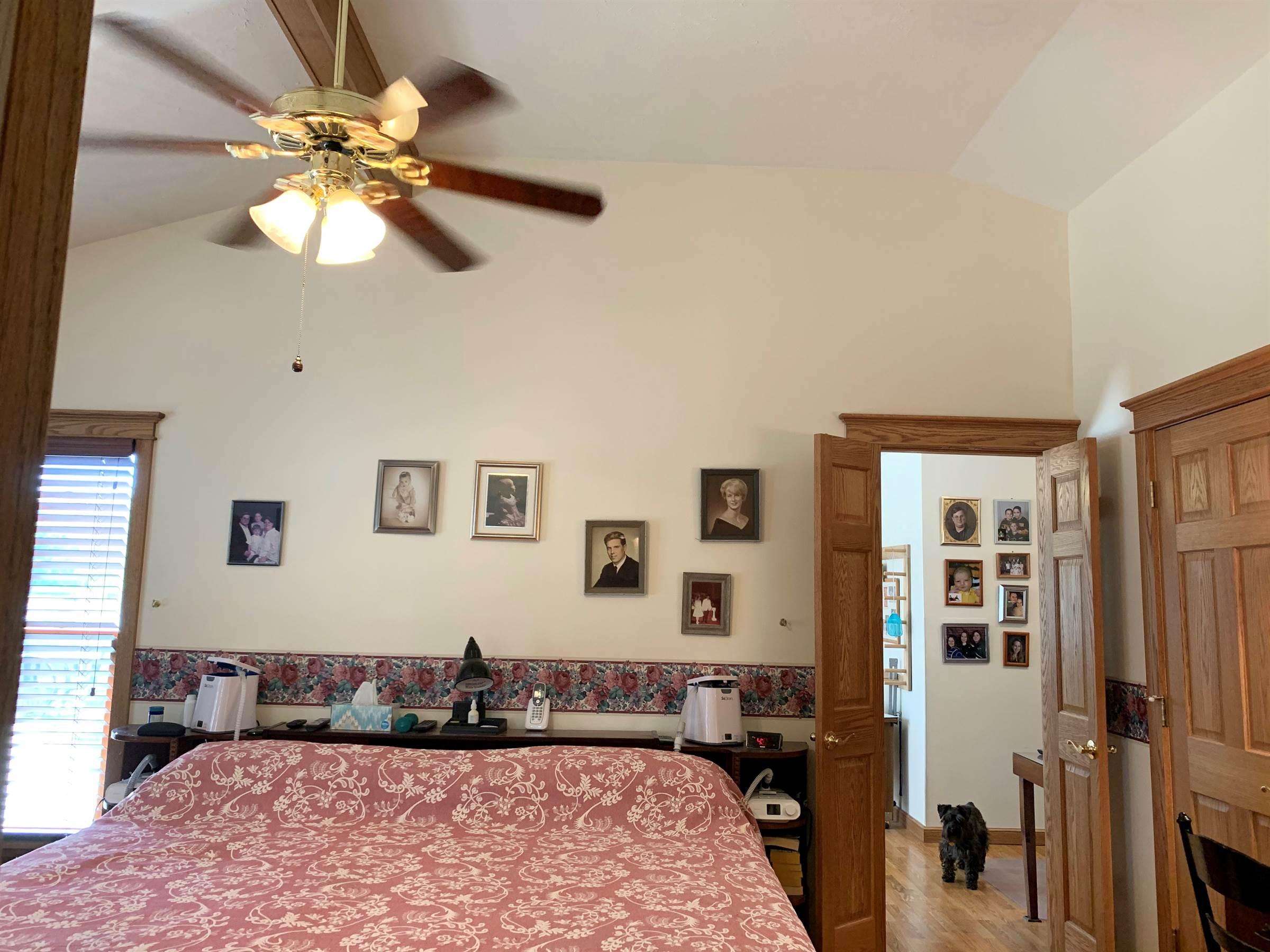 7707 Ro Len Acres Rd, Fulton, MO 65251