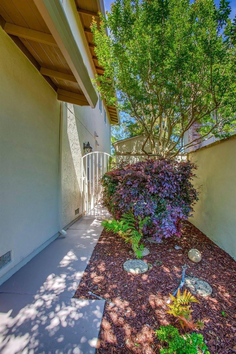 4904 Summertree Court, Sacramento, CA 95841