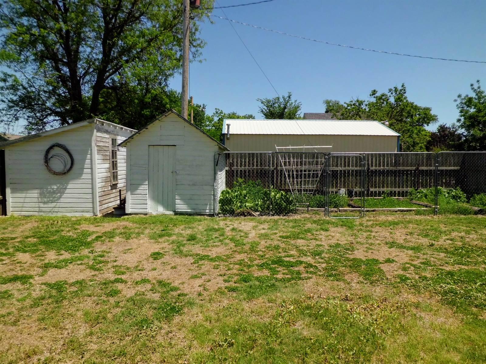 416 Lincoln Street, Quinter, KS 67752