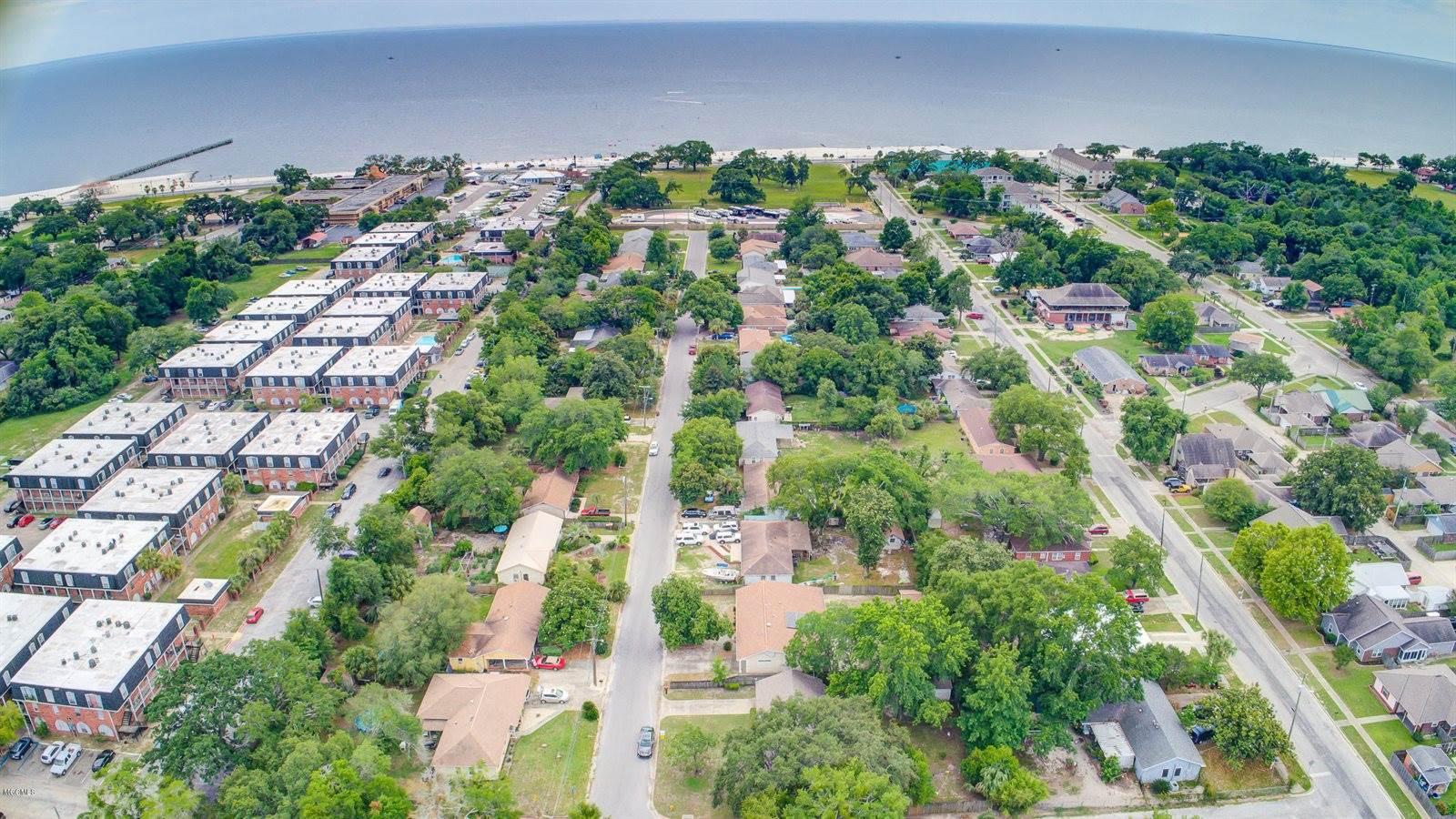 173 Beachview Ave, Biloxi, MS 39531