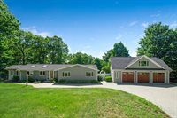 9 Jaybarry Ln, Norwood, MA 02062