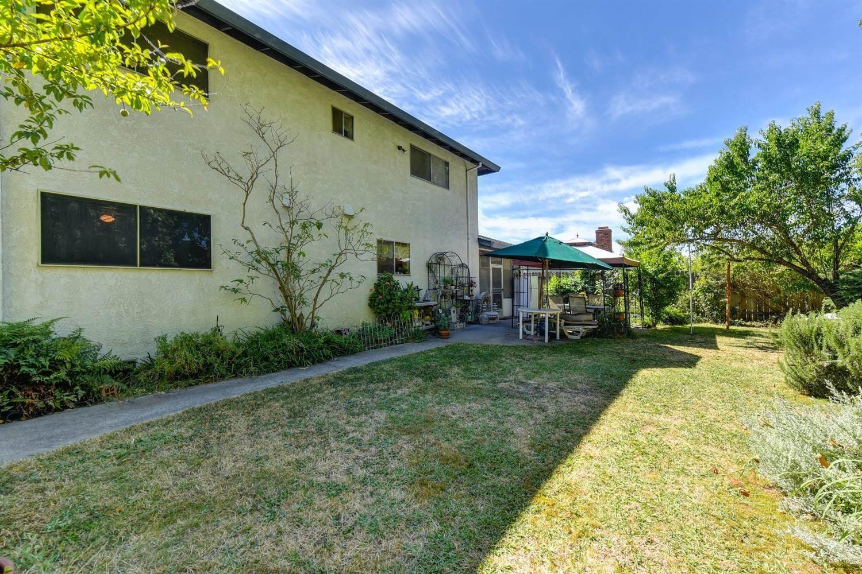 7049 Catlen Way, Sacramento, CA 95831