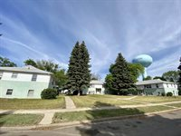1215 6th Ave East, Williston, ND 58801