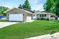 1820 12th St SW, Minot, ND 58701