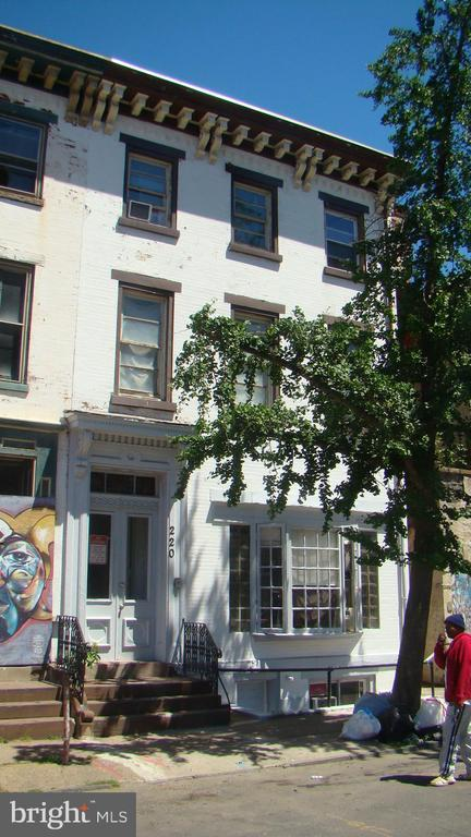 220 East Hanover Street, Trenton, NJ 08608