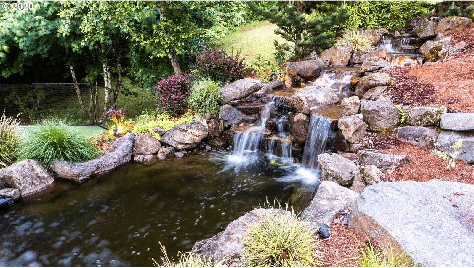 13756 SE Mountain Crest Dr, Happy Valley, OR 97086