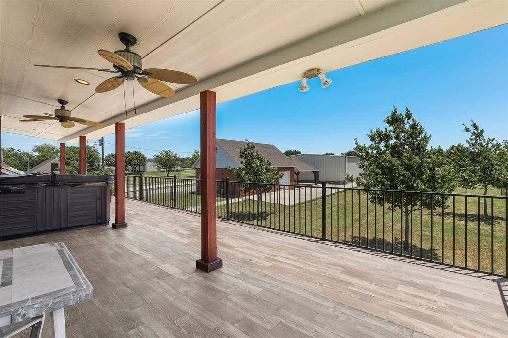 2560 Eagles Nest Court, Midlothian, TX 76065