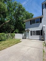 8 Ithaca St, Staten Island, NY 10306